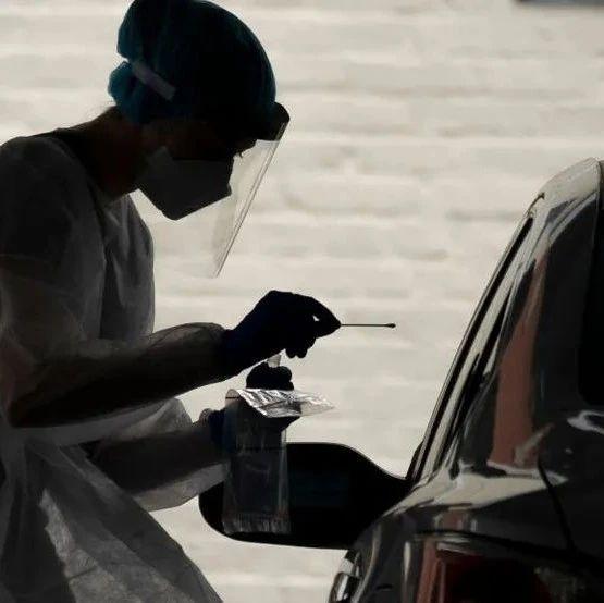 华州新冠疫情死亡率显著降低, 周日首现零死亡